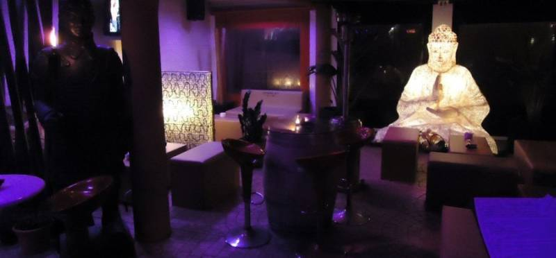 Decoraci n lounge en komodo menorca blog fiaka for Komodos muebles