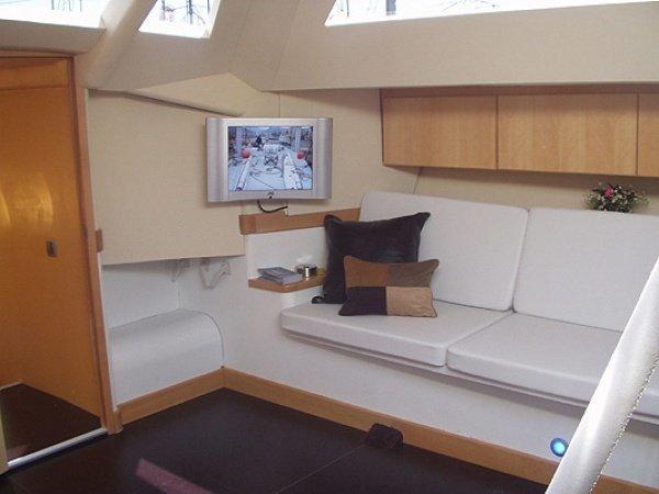 Tapicería interior y mobiliario para barcos en Fiaka.es