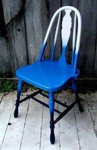 Silla azul reciclada