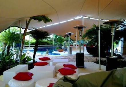 Terraza chill out, proyecto de Safara Tenso Carpas.