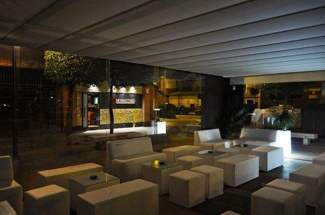 Una terraza chill out a orillas del pisuerga blog fiaka - Muebles chill valladolid ...