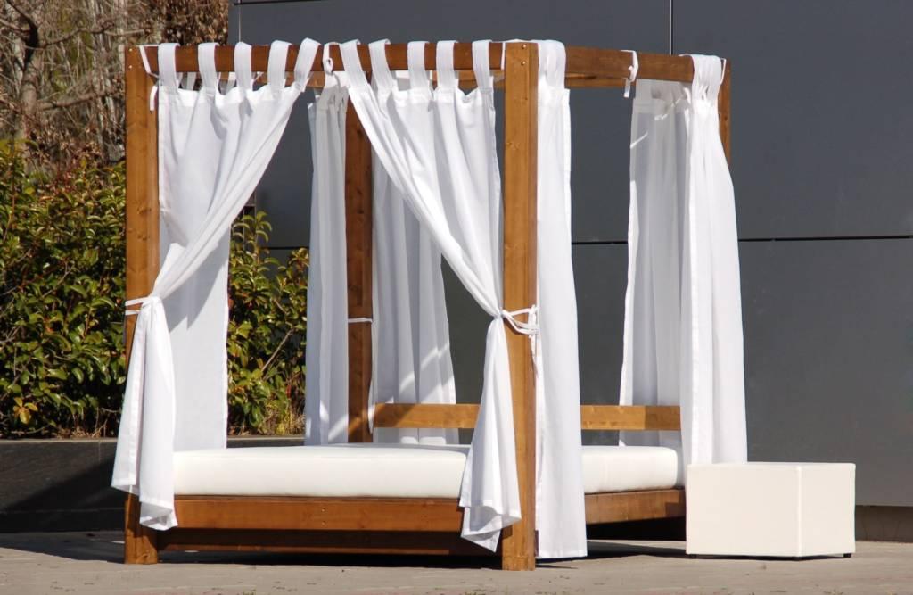 decoración de hoteles con camas balinesas