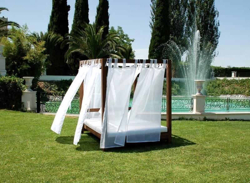 Consejos para la decoraci n de una piscina chill out lounge for Cama balinesa ikea