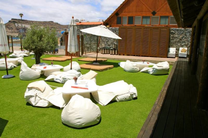 Muebles soft decoraci n con sillones puff - Decoracion de terrazas chill out ...