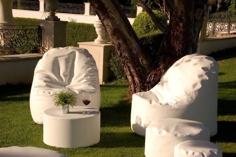 Muebles soft decoraci n con sillones puff blog fiaka for Asientos terraza