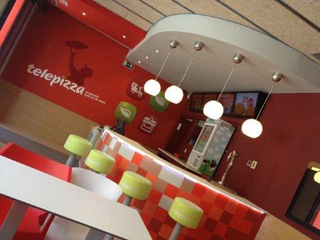 Mobiliario Corporativo - Personalizado con Logotipo - Vía Fiaka.es
