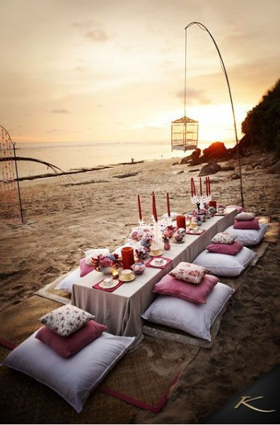 banquete-boda-playa-arena-chill-out-ideas-verano