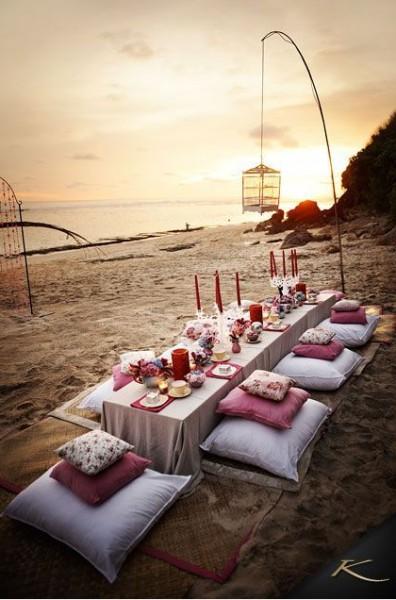 banquete-boda-playa-arena-chill-out-ideas-verano