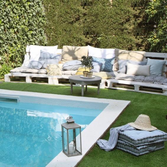 Jardín con piscina - Vía Pinterest
