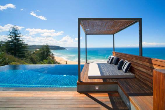 Preparar tu piscina para el verano: muebles de terraza y exterior