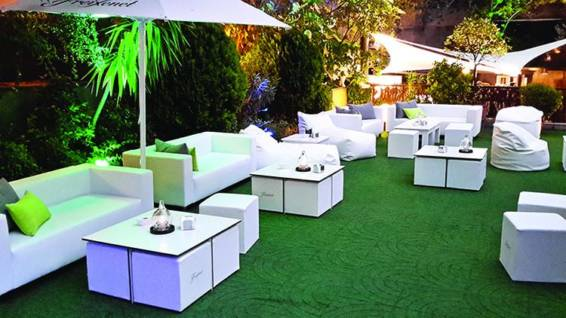 Terraza jardín hotel