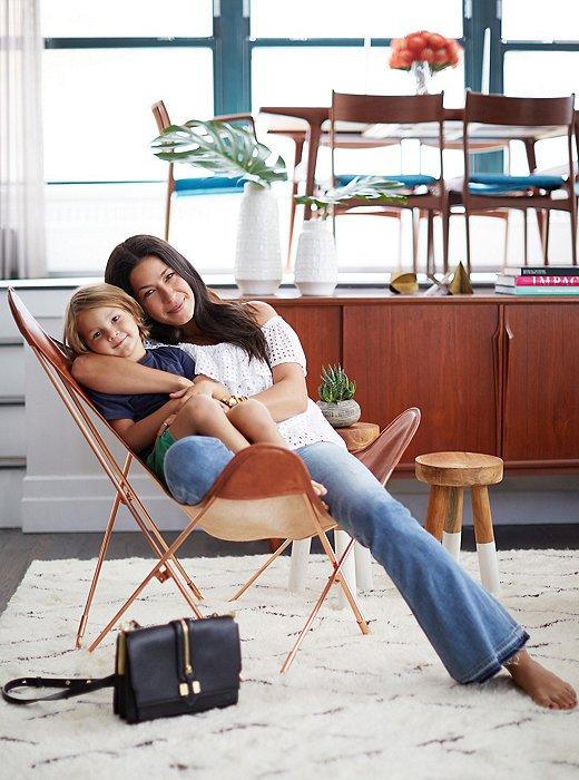 Rebeca Minkoff y su hijo Luca en la silla BKF