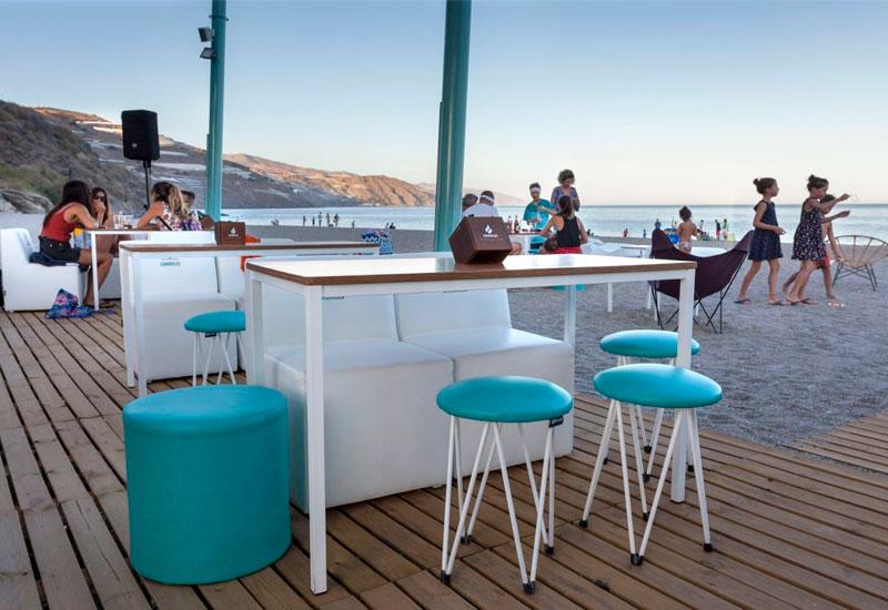 """¿Qué muebles elegir para un chiringuito de playa"""""""