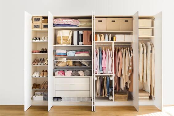 armario-muebles-basicos-para-una-casa