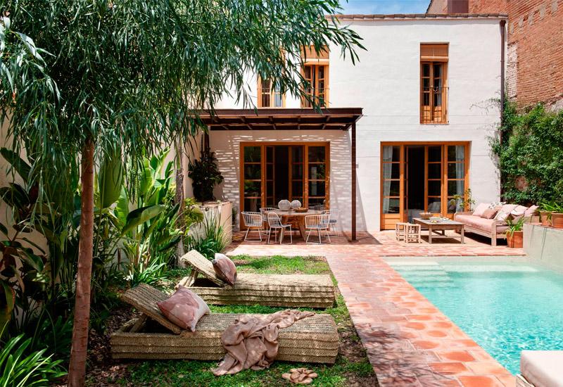 Ideas de decoración para jardines con piscinas