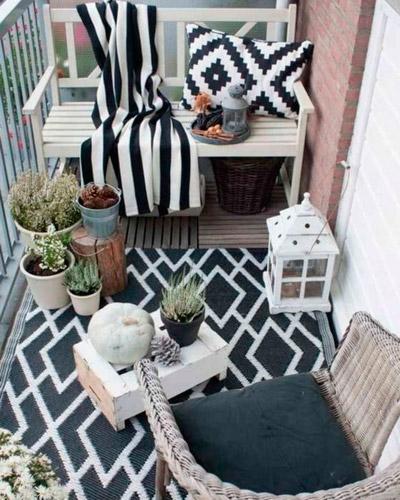 Terraza-decorada-blanco-y-negro