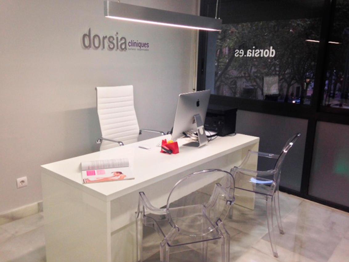 Dorsia, mesa y silla (Terrassa)