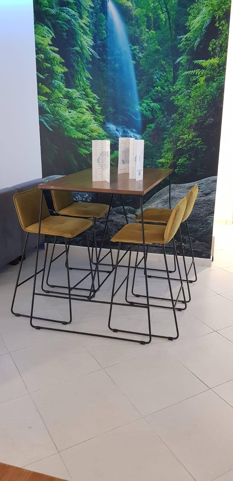 Macaronesia, mesas y sillas, perfil