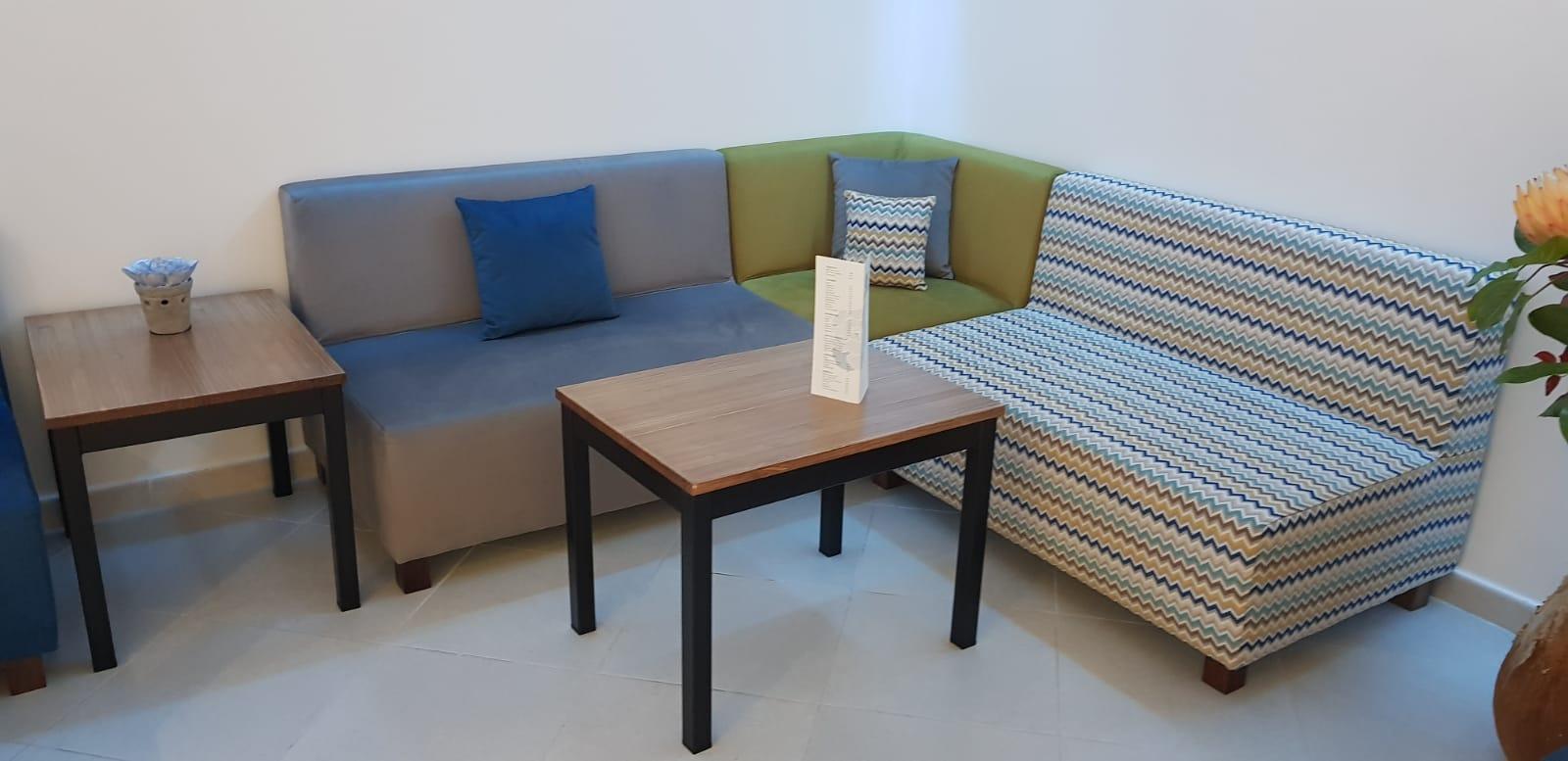 Macaronesia, sofa y mesa