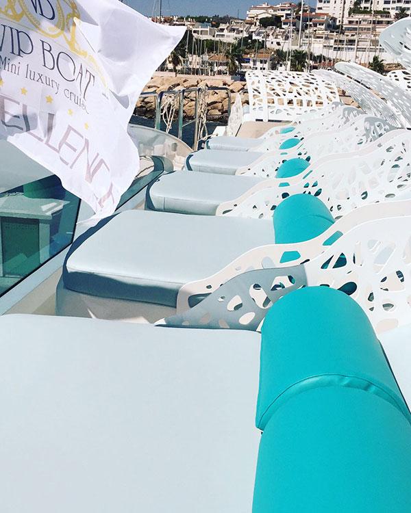 Tumbonas y detalles Solarium VIP Boat